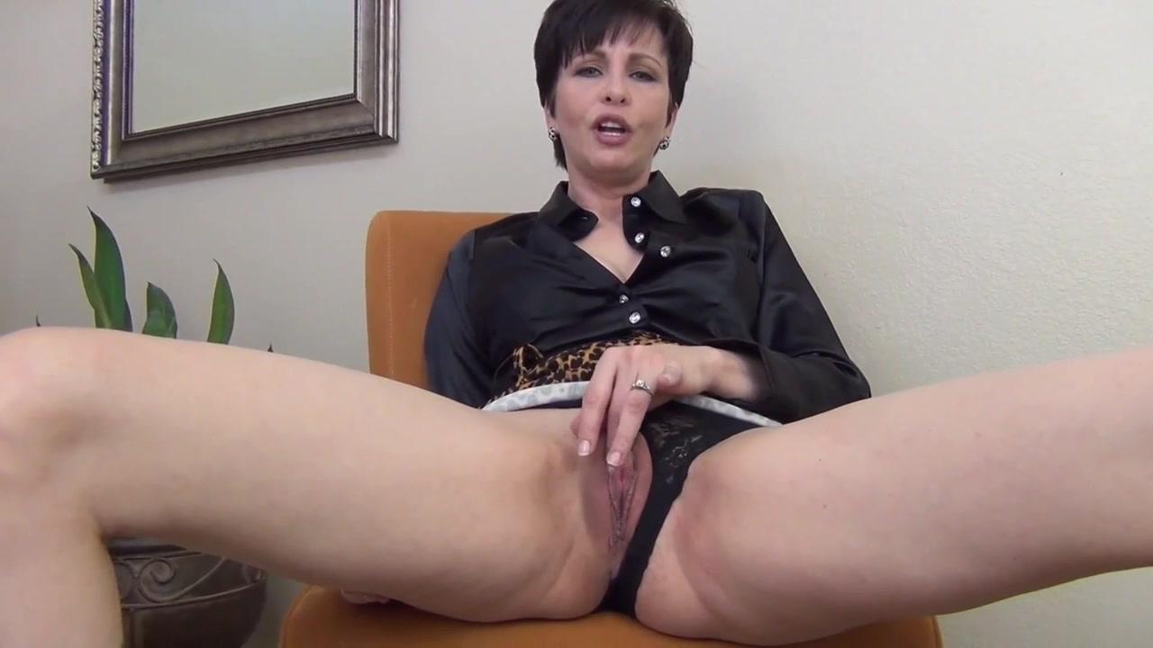 Short Hair Mature Masturbation